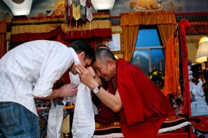Garchen Rinpoche offered a kata, or traditional offering scarf, to each volunteer who assisted with the weekend program. Rinpoche is shown here offering a kata to volunteer Will Fausser.