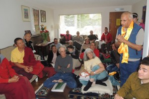 Host Ceon Ramon expresses gratitude to Sonam Rinpoche, on behalf of the group, after the teachings