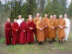 Monks, nuns and anagarikas together