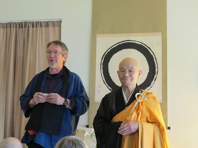 Ed Gentoku Lorah introducing Shodo Harada Roshi
