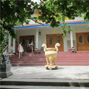 The main entrance to the current temple, where the Jade Buddha will be displayed