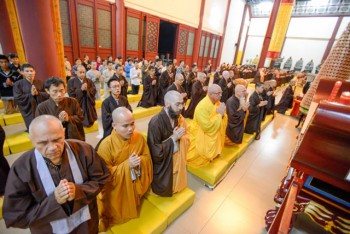 Morning service at Dong Hua Temple, with Fa Hsing Jeff Miles, Venerable Kozen and Koro Kaisan Miles in the front row