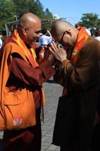 A bow shared between Ven. Vipulasiri (Theravadin Sri Lanka) and Ven. Tian Wen, abbot of Tung Lin Kok Yuen Canada Society (Mahayana Chinese).