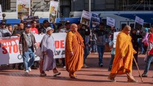 BPFP joined a rally and walking meditation organized by the Muslim Educational Trust in Portland, protesting the Rohingya genocide in Myanmar. A group of Thai monks led the walking meditation.