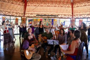 At Paraiso na Terra, all the musicians in the center of our dancing circle