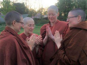 Ayya Tathālokā, Ayya Sobhana, and the bhikkhunis of Dhammadarini Monastery/Aranya Bodhi Hermitage